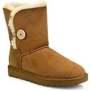 Ugg Bailey Short Button Boots